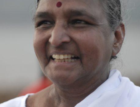 Naisten joogan uranuurtaja Dr. Geeta S. Iyengar 7.12.1944 – 16.12.2018